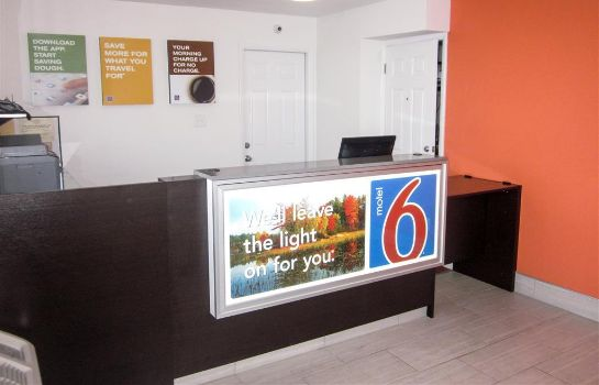 Lobby MOTEL 6 GLASSBORO - ROWAN UNIVERSITY