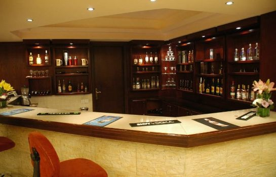 Hotel bar AQUA VISTA HOTEL AND SUITES