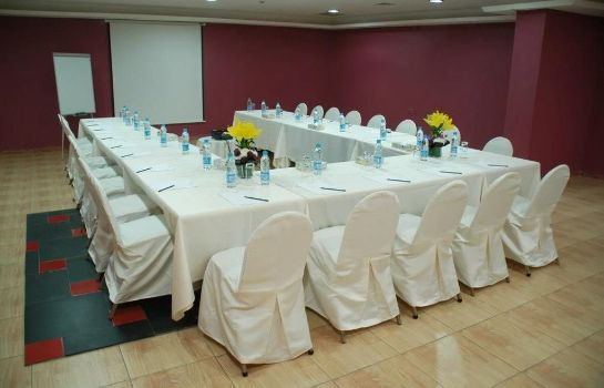 Conference room AQUA VISTA HOTEL AND SUITES
