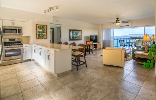 Zimmer Waikiki Shore by Outrigger