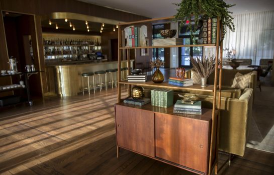 Hotel bar The Dewberry Charleston Preferred LVX Collection
