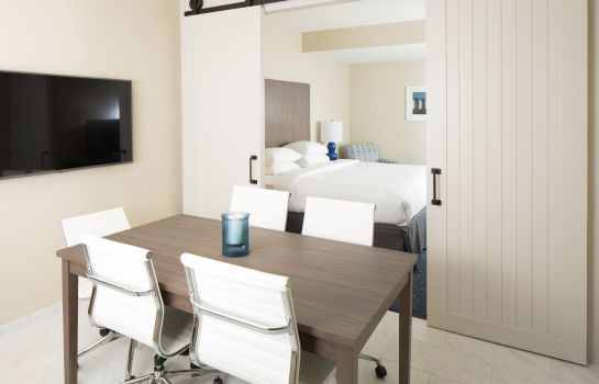 Suite HOTEL RENOVO PREFERRED CONNECT