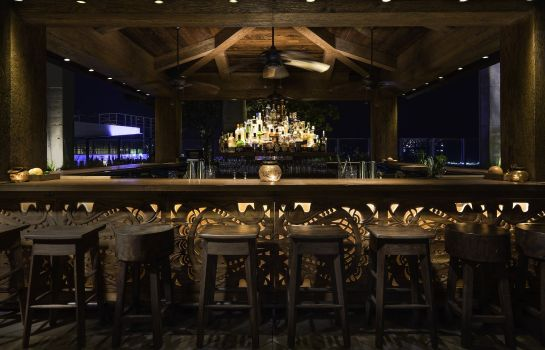 Bar del hotel EAST Miami Preferred LVX