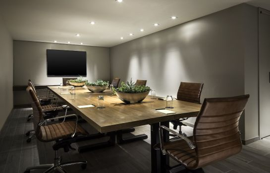 Sala de reuniones EAST Miami Preferred LVX