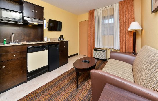 Room Quality Suites Tinton Falls