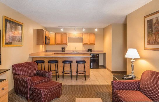 Suite Quality Inn Perrysburg