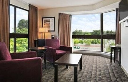 Suite RAMADA SUITES AND CONF CTRE
