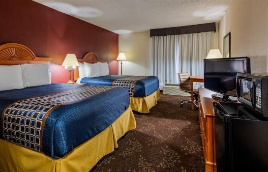Pokój SureStay Plus Hotel by Best Western Evansville