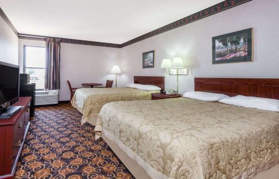Pokój SURESTAY PLUS BY BEST WESTERN EVANSVILLE