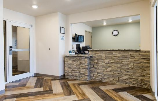Lobby WOODSPRING SUITES SIGNATURE