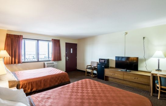 Room SCOTTISH INNS AND SUITES EAU CLAIRE