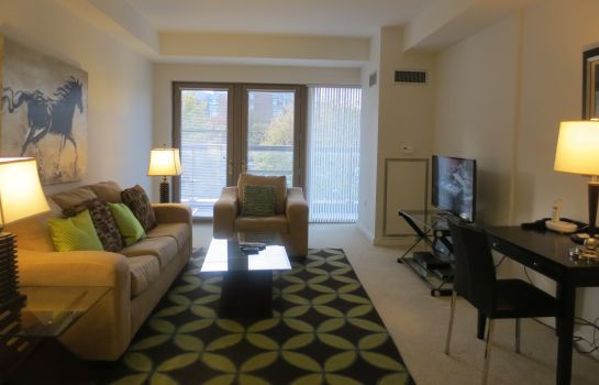 Suite CHURCHILL AT THIRD SQUARE APARTMENTS