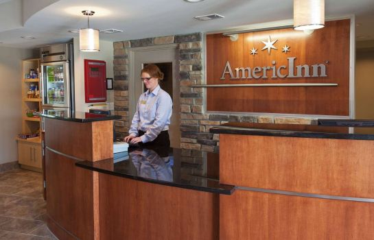 Lobby AmericInn by Wyndham Fairfield