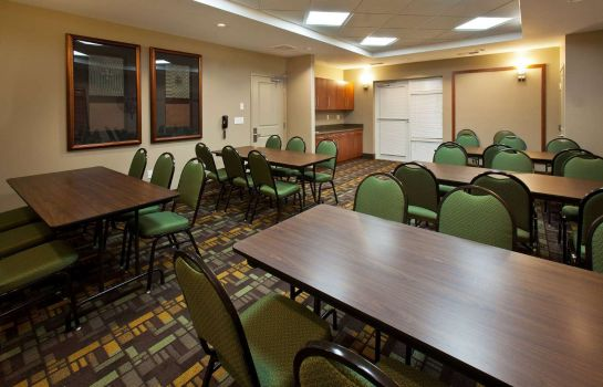 Conference room AmericInn by Wyndham Fairfield