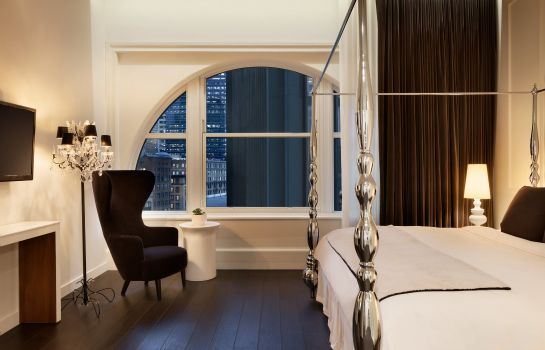 Suite Ames Boston Hotel Curio Collection by Hilton