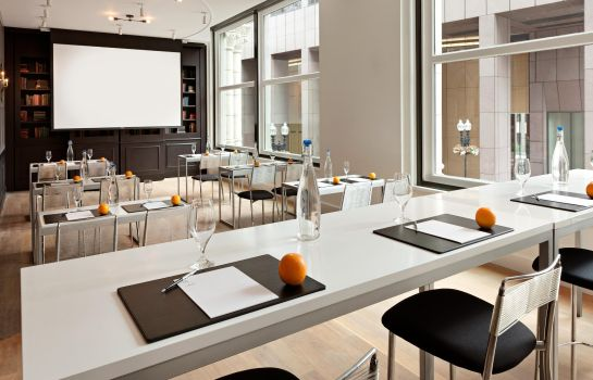 Sala konferencyjna Ames Boston Hotel Curio Collection by Hilton