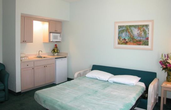 Zimmer Cocoa Beach Suites Hotel