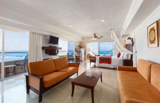 Suite Panama Jack Resorts Cancun