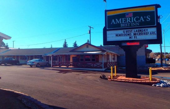 Exterior view Americas Best Inn Flagstaff
