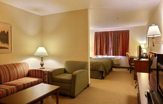 Suite BOARDERS INN SUITES SHAWANO