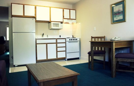 Zimmer Affordable Suites Graham