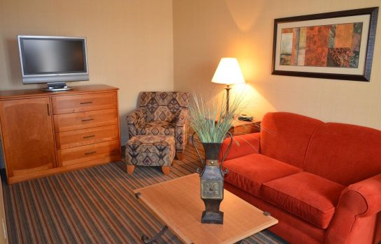 Suite INN AT CROSS KEYS STATION