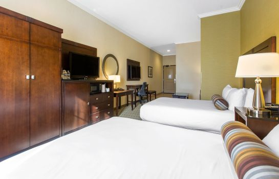 Suite an Ascend Hotel Collection Member The Oaks Hotel & Suites