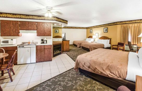 Suite Quality Inn Keystone near Mount Rushmore