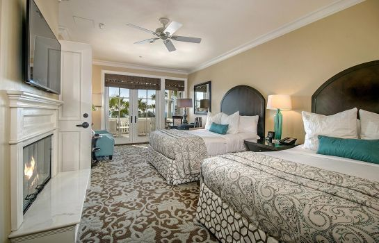 Suite Beach Village at The Del Curio