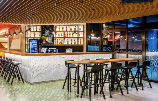 Hotel-Bar Hampton by Hilton Guarulhos Airport