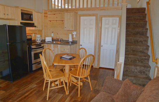 Chambre Hill Country Cottage and RV Re