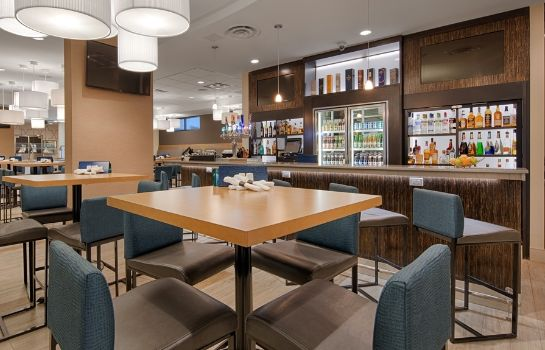 Bar del hotel BEST WESTERN PLUS SAWRIDGE