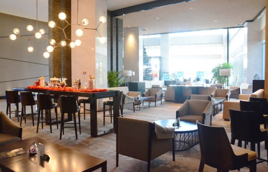 Hotel bar Days Hotel and Suites Liangping