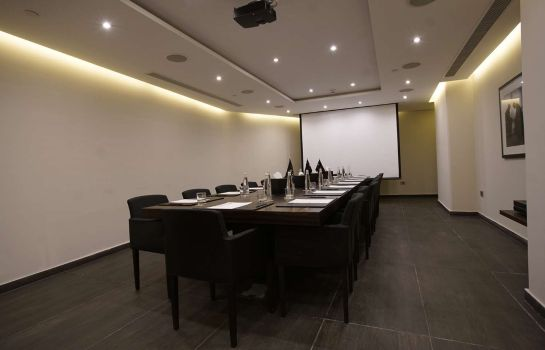 Conference room Royal Tulip Achrafieh