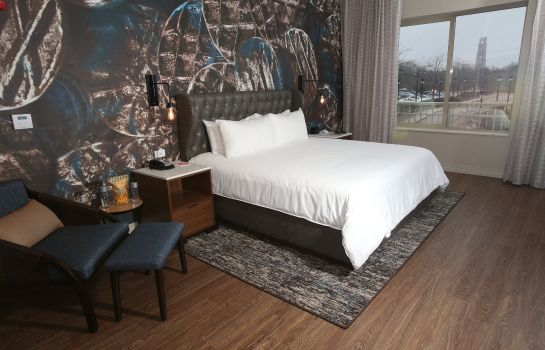 Suite Hotel Indigo NAPERVILLE RIVERWALK