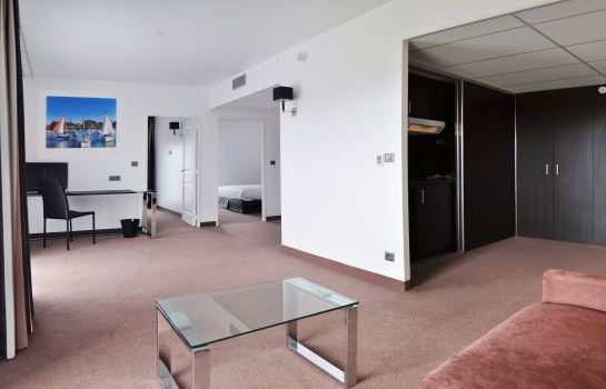 Suite Golden Tulip Pornic Suites rue Jules Ferry