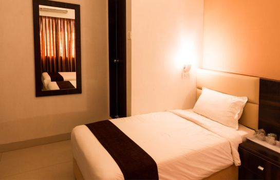 Double room (standard) OYO Rooms Mumbai Near Seven Hills Hospital