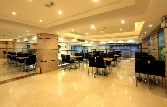 Restaurant GreenTree Inn YaLongWan YingBin Avenue (Domestic only)