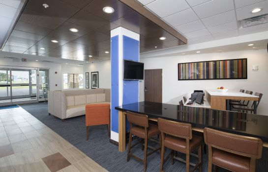 Lobby Holiday Inn Express & Suites LA PORTE
