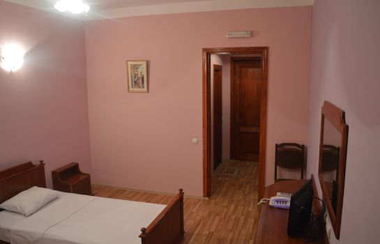 Double room (standard) Tirifiholiday