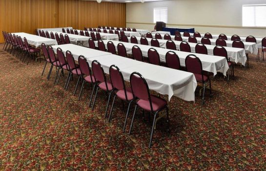 Conference room Econo Lodge Pierre