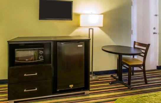 Zimmer Quality Inn Davenport - Maingate South