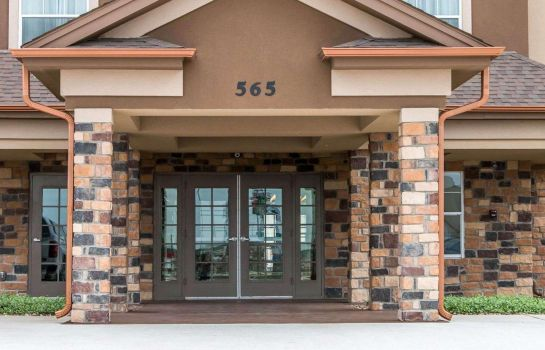 Exterior view MainStay Suites Cotulla