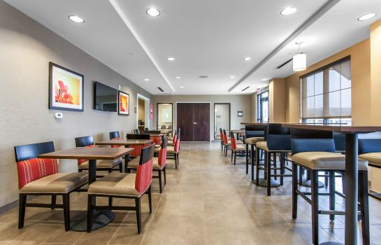 Restauracja Comfort Suites Youngstown North