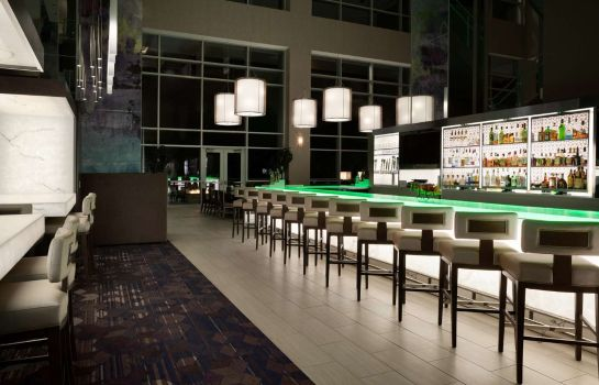 Hotel-Bar Embassy Suites by Hilton Charlotte Uptown