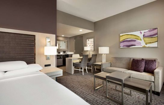 Zimmer Embassy Suites by Hilton Charlotte Uptown