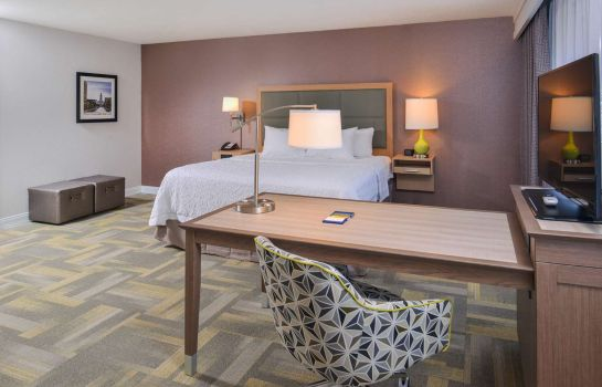 Camera Hampton Inn and Suites Altoona-Des Moines by Hilton