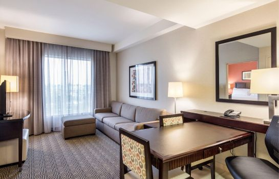 Suite Embassy Suites by Hilton Newark Airport Embassy Suites by Hilton Newark Airport