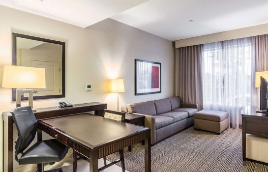 Kamers Embassy Suites by Hilton Newark Airport