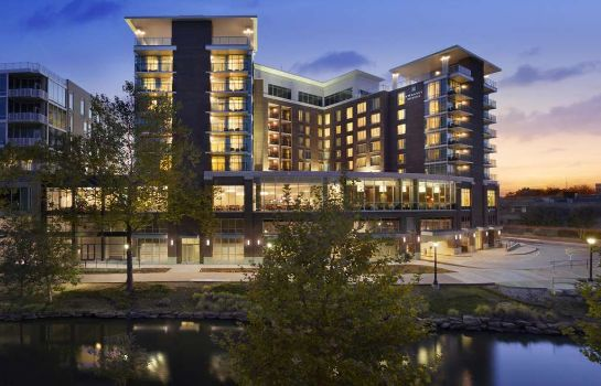 Vista esterna Embassy Suites by Hilton Greenville Downtown Riverplace